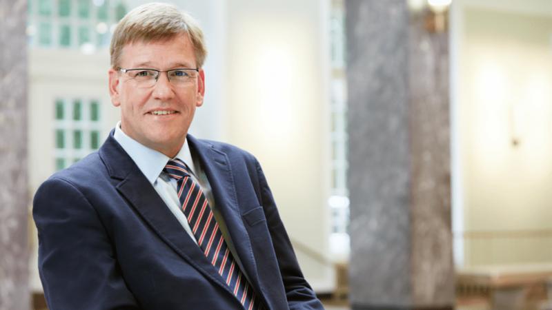 Online-Lehre, Barrierefreiheit und diskriminierungsfreies Lernen: Uni-Rektor Wessels im Interview