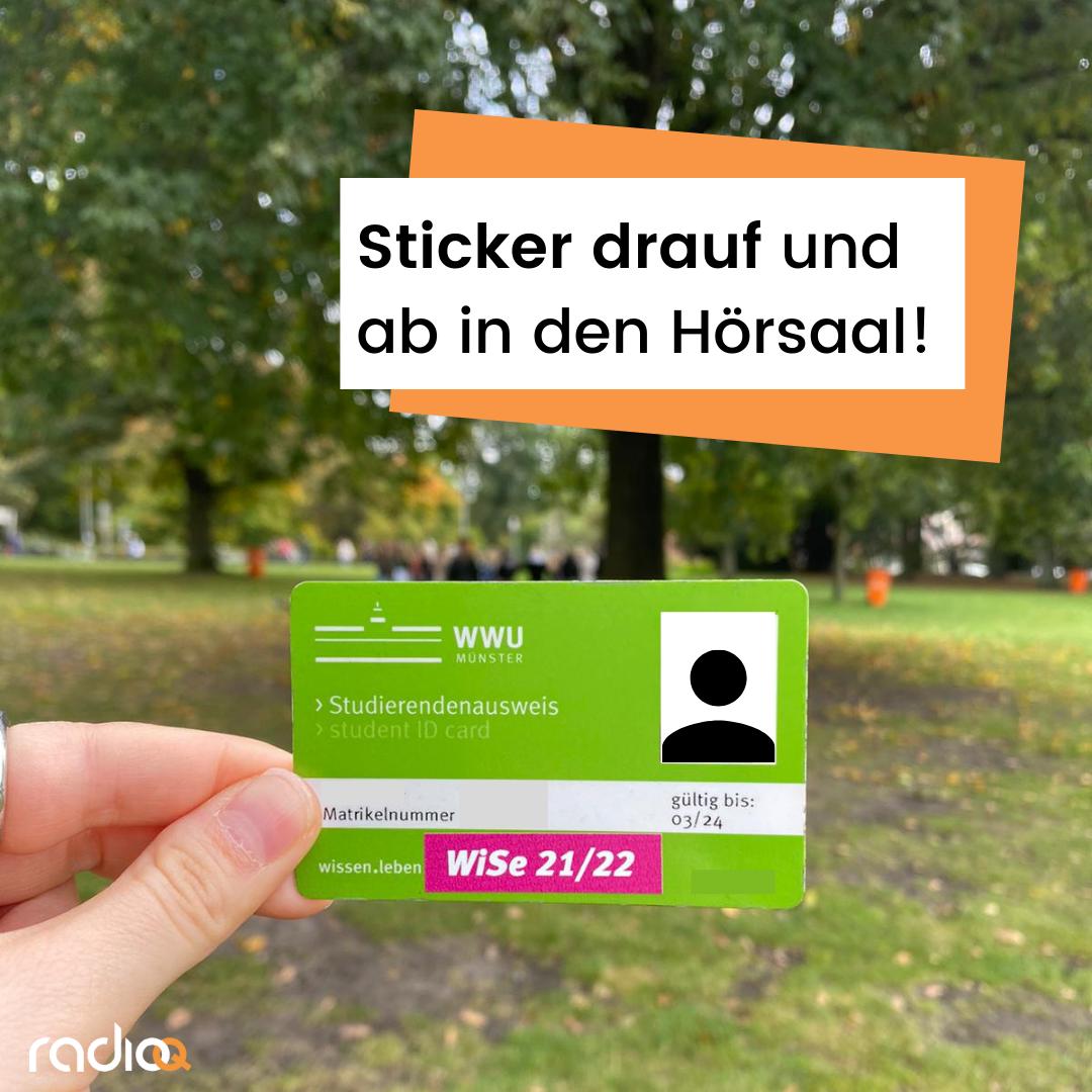 Studi-Ausweis mit neonpinken Sticker auf dem steht: WiSe 21/22